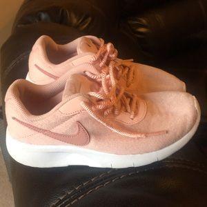 VGUC Nike Girl's 2Y Pink Sneakers